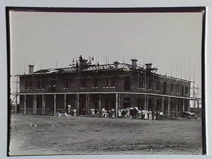 Building of the Grand Terminus Hotel in 1888